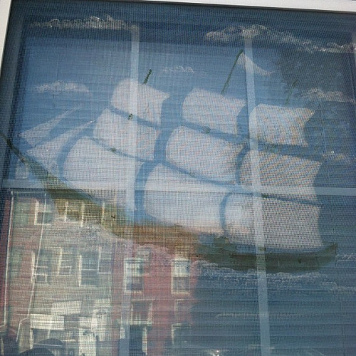 Photo of a Baltimore painted screen by hwhazlett/flickr.